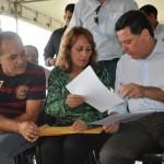 Prefeita Cida Furtado e o marido Ademir fazendo reivindicações ao governador Marconi Perillo