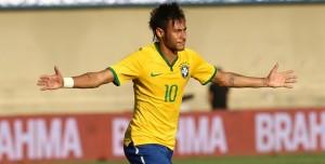 Neymar abriu o placar da partida com linda cobrança de falta aos 25 minutos do primeiro tempo