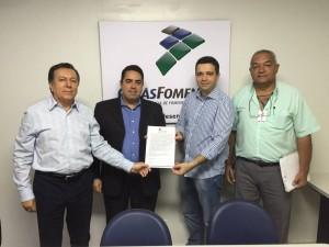 Prefeito André Ariza com os diretores doGoiásFomento Alair Rocha e Álvaro Reis e do assessor Leomar Albeto